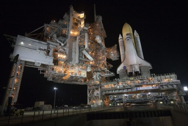 STS-132 ATLANTIS ROLLOUT FROM VAB TO PAD 39A 2010-2943