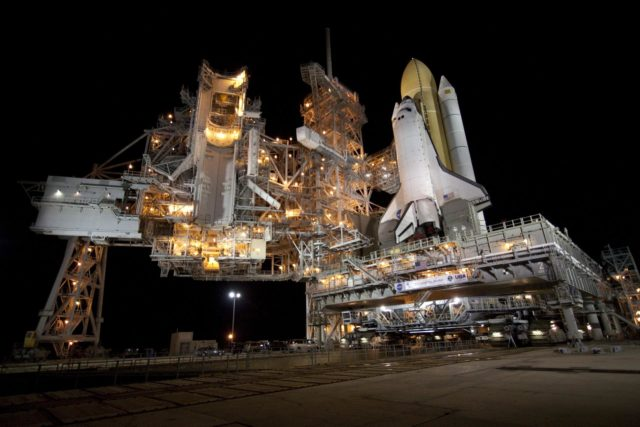 STS-132 ATLANTIS ROLLOUT FROM VAB TO PAD 39A 2010-2956