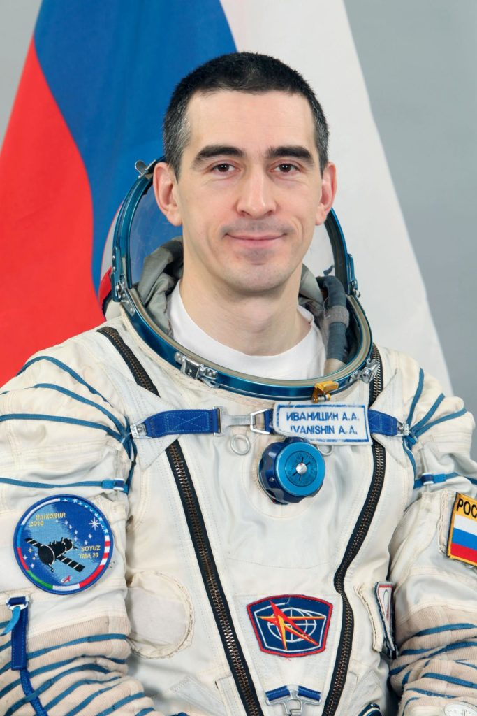 Expedition 26 prime and backup crew members portraits