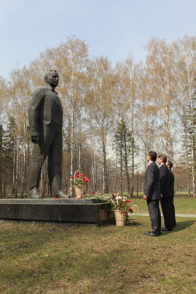 JSC2012-E-044891 (25 April 2012) --- At the Gagarin Cosmonaut Training Center in Star City, Russia, outside Moscow, the next trio of residents that will launch to the International Space Station lay flowers at the site's large Yuri Gagarin statue April 25, 2012 following their press conference. Expedition 31 Flight Engineer Joe Acaba of NASA (left) and two cosmonauts -- Soyuz Commander Gennady Padalka (center) and Flight Engineer Sergei Revin (right) ? are scheduled to launch on May 15 from the Baikonur Cosmodrome in Kazakhstan to the International Space Station. Photo credit: NASA jsc2012e044891