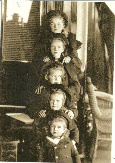 Tsesarevich Nikolai Alexandrovich, Great Princes Anastasia, Maria, Tatiana and Olga.