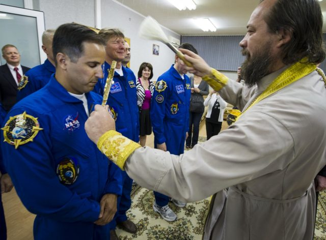 Expedition 31 Crew Prepares For Launch