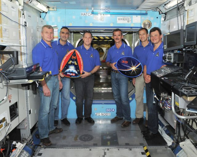 PHOTO DATE:  24 July 2012 LOCATION:   Bldg. 9NW, ISS Mockup Trainer - U.S. Lab SUBJECT: Photo of Expedition 34/35 crew in SVMTF ISS Mockup - U.S. Lab PHOTOGRAPHER: Tom Murray (USA) jsc2012e106605