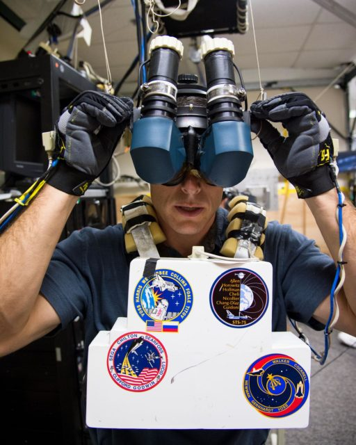DATE: 11-5-12 LOCATION: Bldg. 9 - VR Lab  SUBJECT: Expedition 38 crew members Mike Hopkins, Rick Mastracchio and Koichi Wakata during ROBO/EVA VR LAB training with instructors Jason A. Campbell and Alex Kanelakos. PHOTOGRAPHER: Lauren Harnett jsc2012e237330