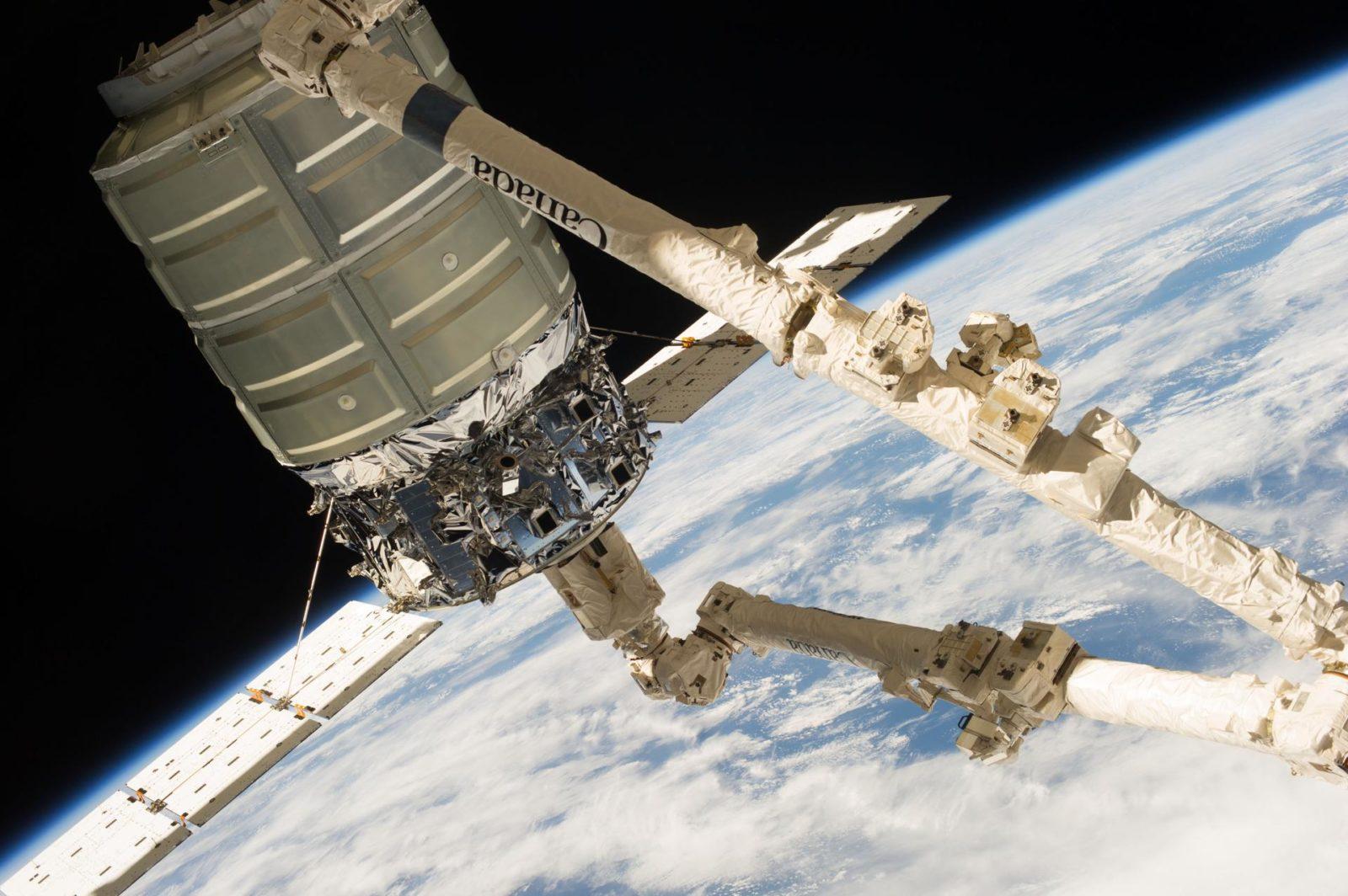 Cygnus Capture by Canadarm2