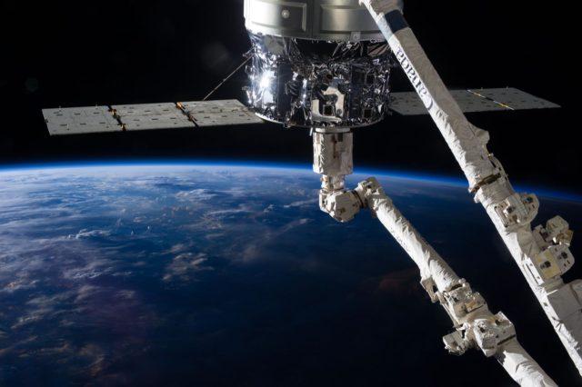 Cygnus and  Canadarm2.