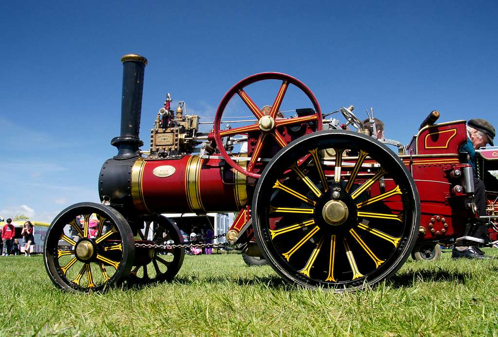 Model of a John Fowler traction engine.