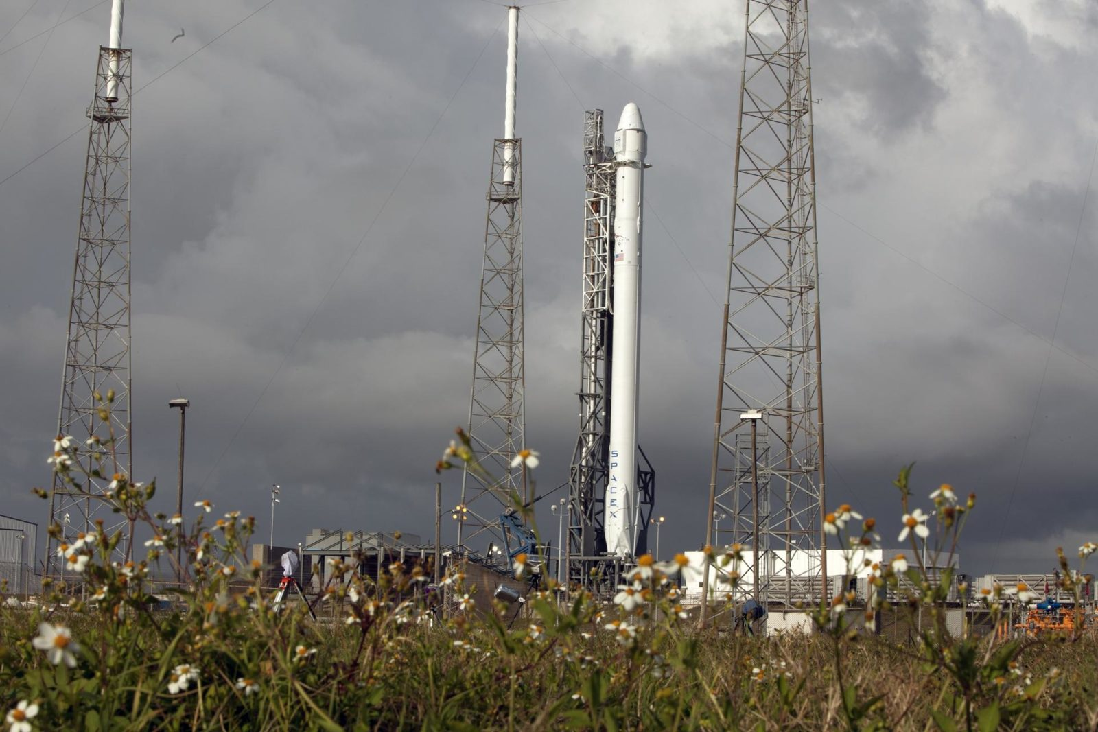spacex dragon launch - HD1600×1067