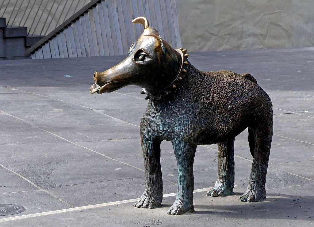 Larry La Trobe. Bronze Dog.