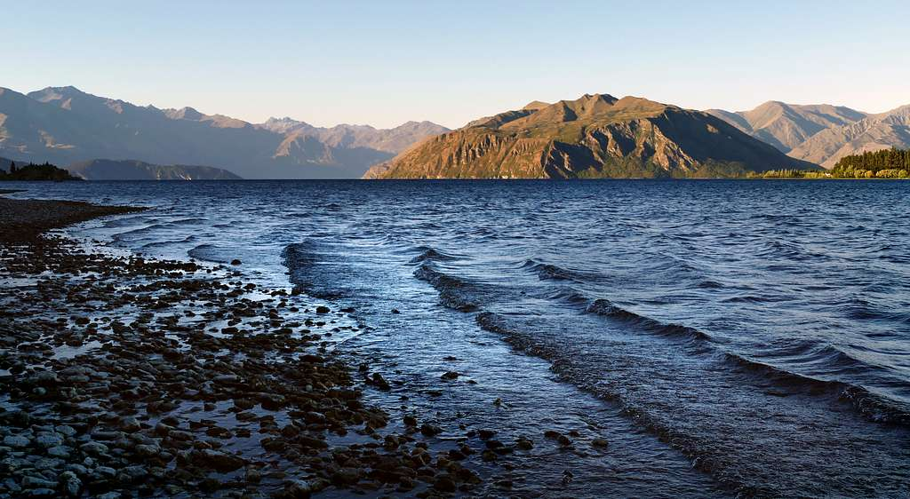 Evening. Lake Wanaka. NZ
