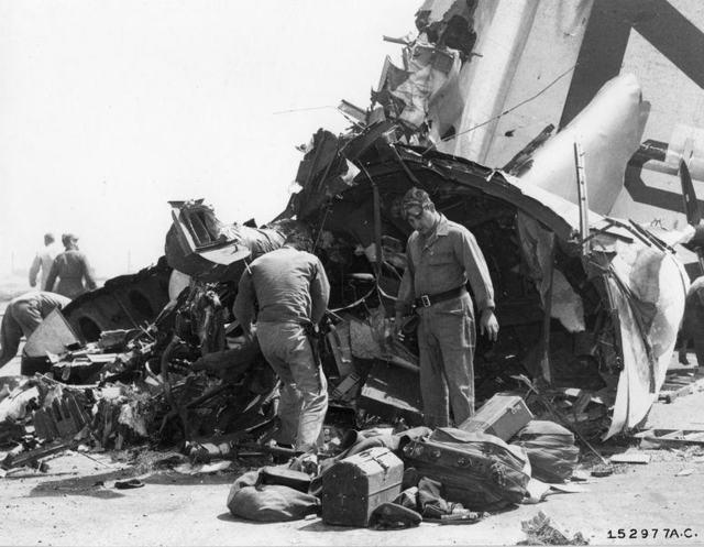 B-36 KIRTLAND CRASH 1a