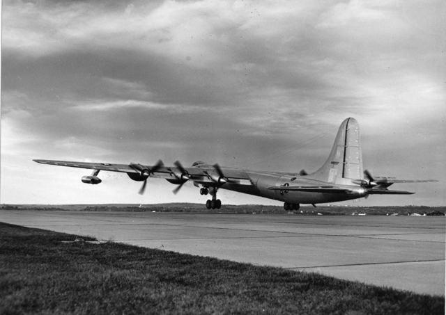 B-36D No Sway Struts 2