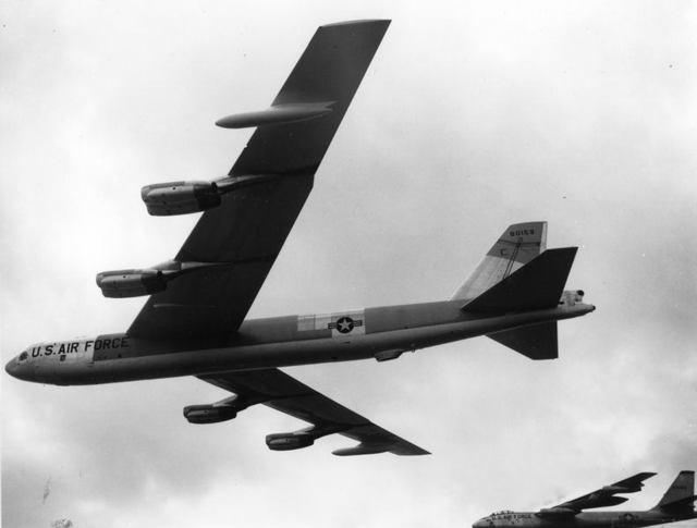 B-52G with Bump