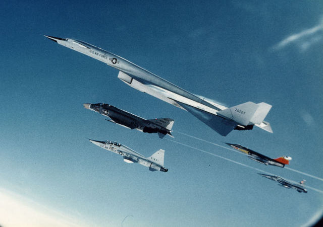 B-70 Precrash Formation