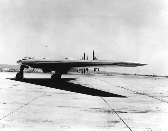 XB-35 Ground Muroc 1