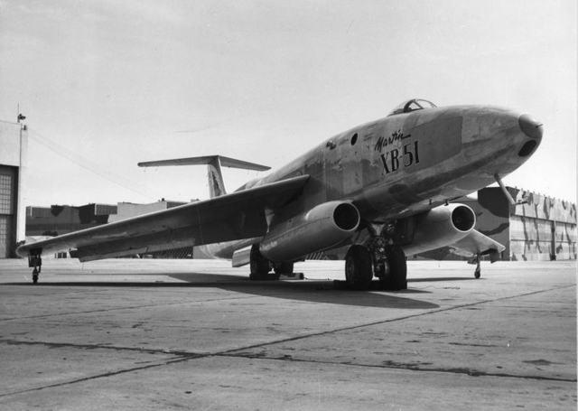 XB-51 Низкая передняя четверть 1