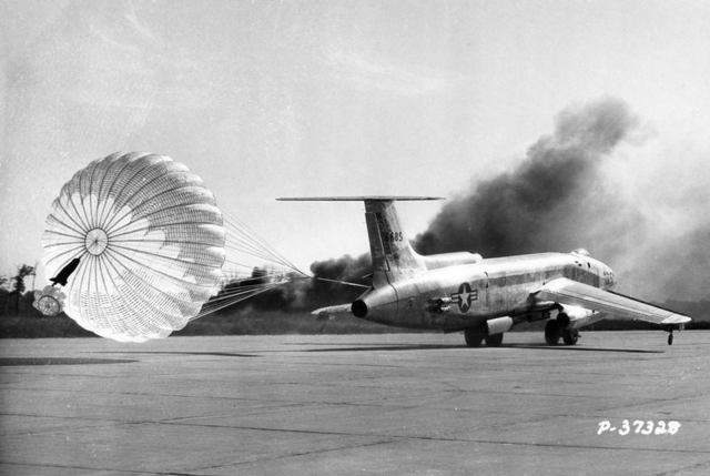 XB-51 Taxi with Chute 1