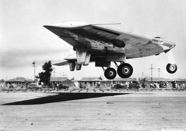 Первый полет YB-49