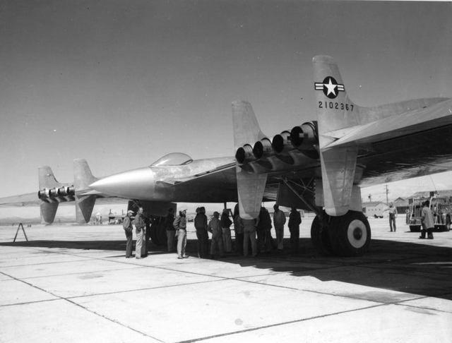 YB-49 Rear