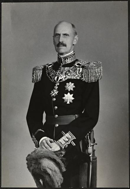 Portrett av Kong Haakon VII / King Haakon VII, 1946