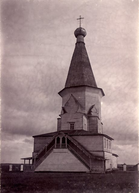 Surroundings of Shenkursk. The village of Shogovary. Church of the Life-Giving Trinity.