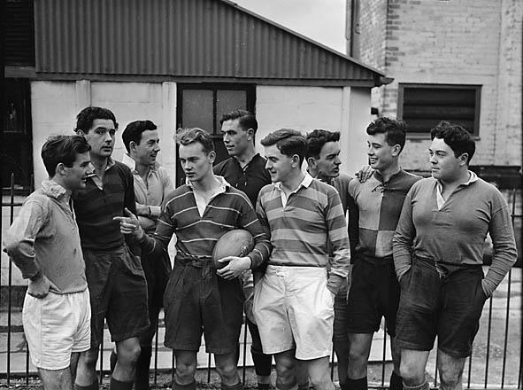 Llandrindod School rugby team against old boys