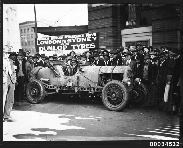 Spectators with the 'Sundowner' in Sydney, 16 July 1928