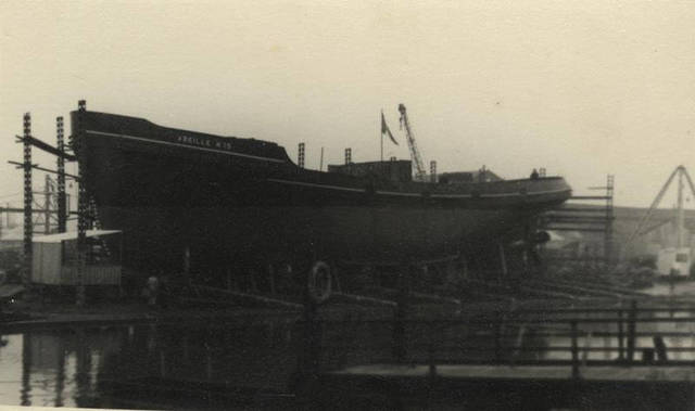 'Abeille' at Grovehill shipyard 1950s (archive ref DDX1525-1-3)