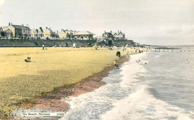 Hornsea beach 1931 (archive ref PO-1-65-3)