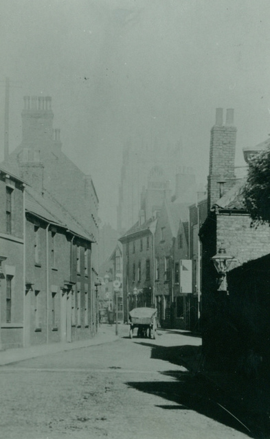 Lairgate, looking towards St. Mary's Church, Beverley c.1900 (archive ref PH-5-1)