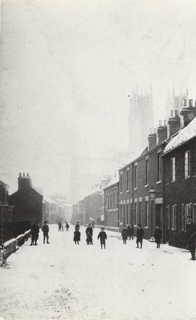 Minster Moorgate in the snow, Beverley 1905 (archive ref DDX1525-1-6)