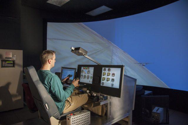 NASA X-57 Simulator Prepares Pilots, Engineers for Flight of Electric X-Plane