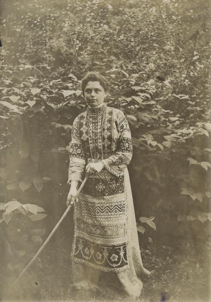Elisabeth Kologrivova riisumas / Elisabeth Kologrivova raking