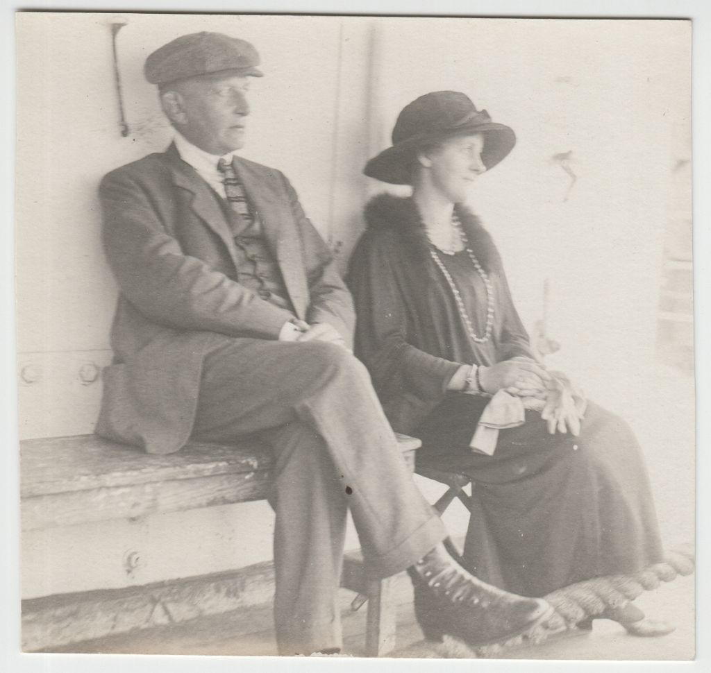 Guido ja Eveline laeval - saabumine USA-sse 1923. a / Guido and Eveline Maydell on a ship arriving in the USA in 1923
