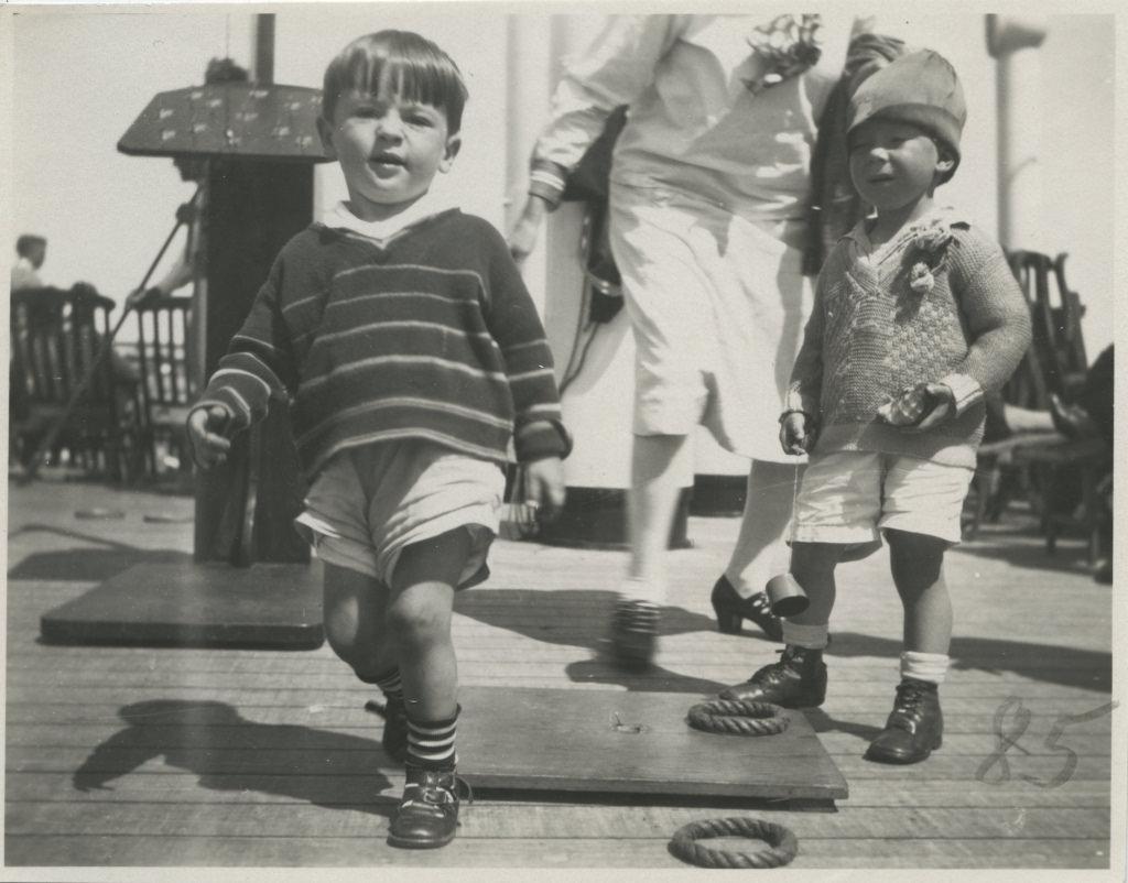 Kaks poissi St. Louise laevatekil mängimas / Two boys playing on St. Louis deck - 1929