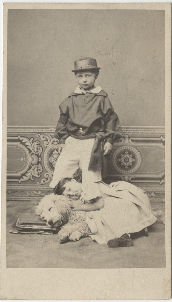 Lapsed koeraga / Children with Dog