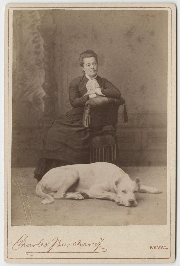 Naine koeraga / Woman with Dog