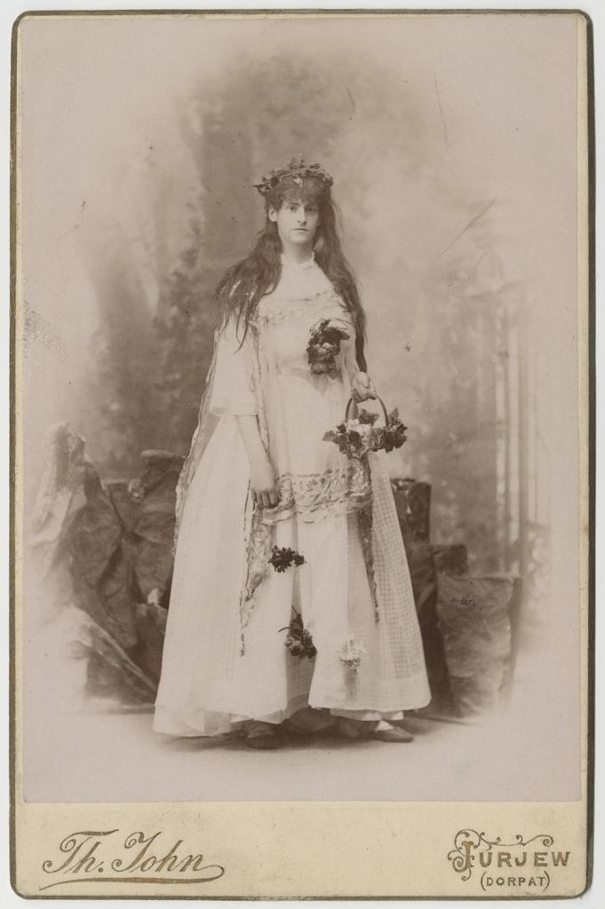 "Ooperist ""Oberoni ja Titania teemantpulm"" / From the opera ""Oberon and Titania's Diamond Wedding"""