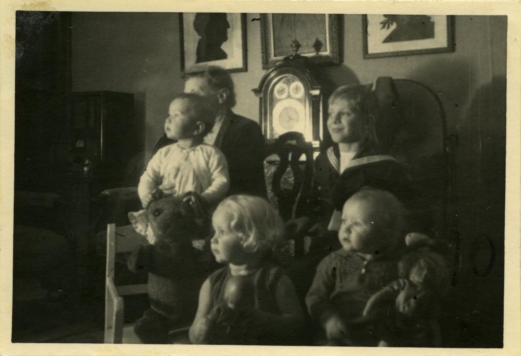 Perekond Roseni lapsed / Chidren of Rosen family - 1936