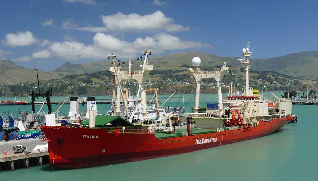 ITALICA.Research vessel.
