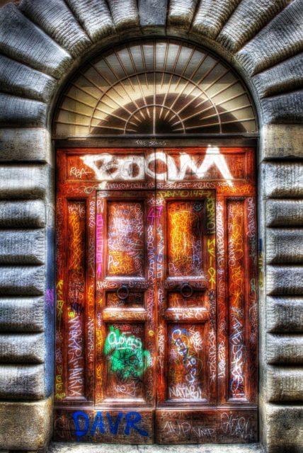 Boom! Door graffiti