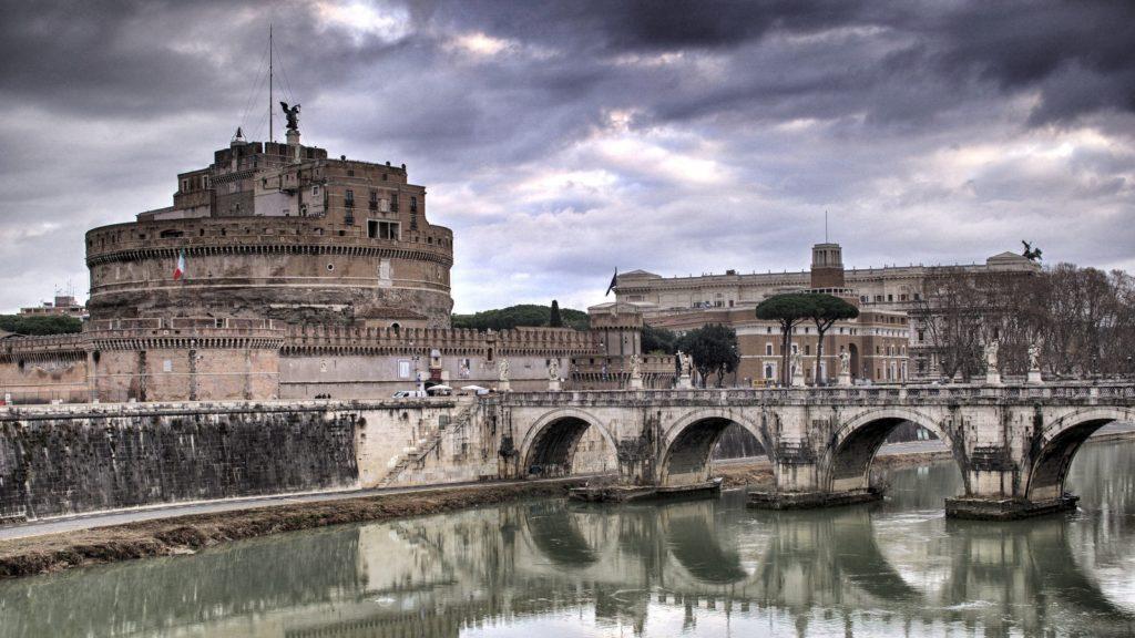 Castel e ponte Sant'Angelo, Roma.