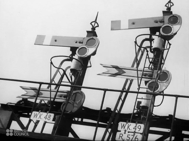 London's Transport System During World War Two - 1941 Educational Documentary - WDTVLIVE42