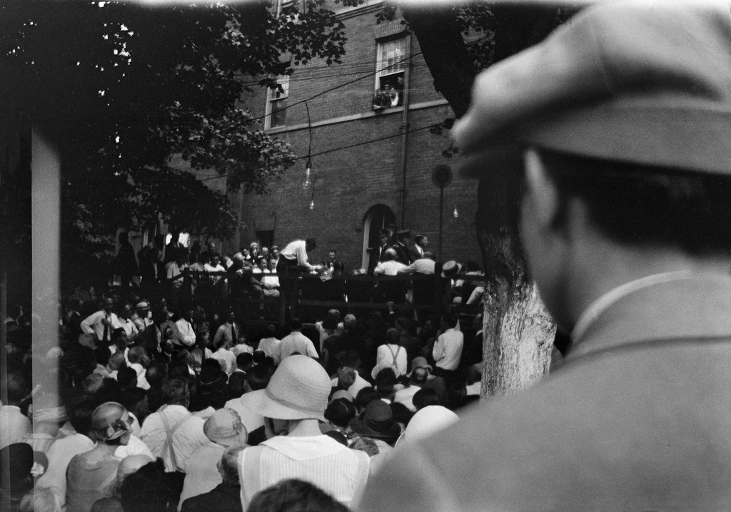 Clarence S. Darrow interrogating William Jennings Bryan, Scopes trial, Dayton, Tennessee, July 20, 1925.