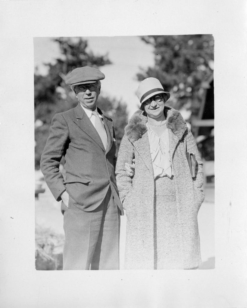 Morton Churchill Mott-Smith (1877-1944) and his wife, Elvira G. Mott-Smith