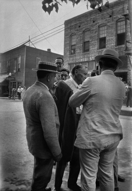 Clarence S. Darrow talking with group of men, Dayton, Tennessee, July 1925.