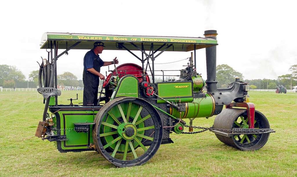 1922 Steam roller.