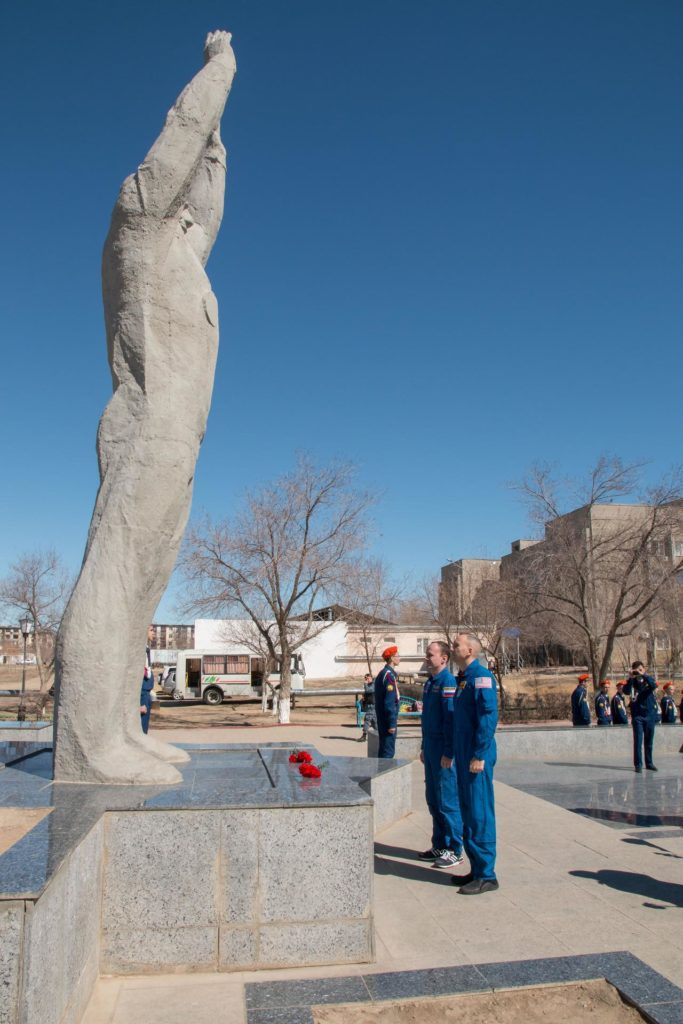 jsc2017e040343 (April 7, 2017) --- In Baikonur, Kazakhstan, Expedition 51 backup crewmembers Sergey Ryazanskiy of the Russian Federal Space Agency (Roscosmos) and Randy Bresnik of NASA pay tribute at the statue of Yuri Gagarin, the first human to fly in space, during traditional pre-launch ceremonies April 7. They are serving as backups to Fyodor Yurchikhin of Roscosmos and Jack Fischer of NASA, who will launch April 20 on the Soyuz MS-04 spacecraft from the Baikonur Cosmodrome for a four and a half month mission on the International Space Station. NASA/Victor Zelentsov jsc2017e040343