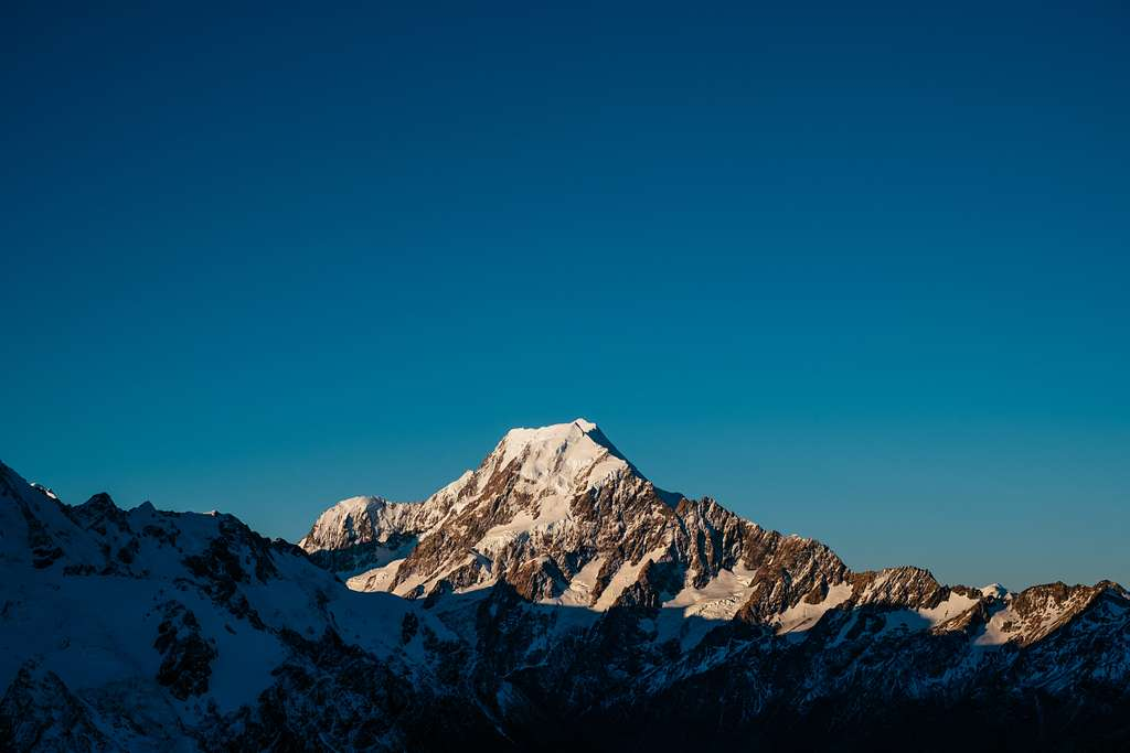 Late evening in the mt cook area (Unsplash)
