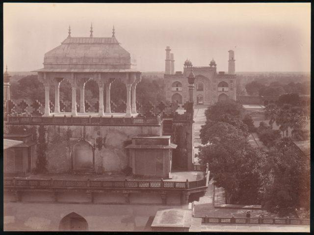 [Akbar's Tomb and Gardens, Sikandra, India]